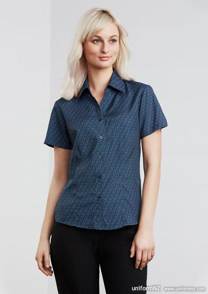 Printed oasis shirt s29422 uniform for Spa uniform france